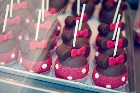 Cake pop Minnie