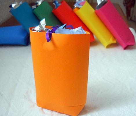 Bolsas de cumpleaños de colores