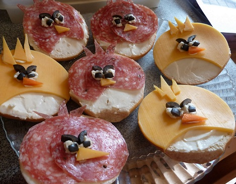 ideas cumpleaños angry bids canapes