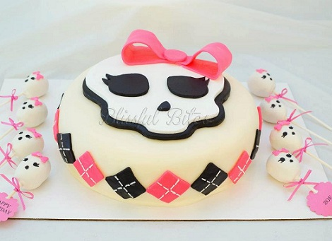 tartas monster high blanca