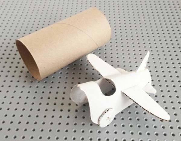hacer-un-avion-de-juguete-con-goma-eva